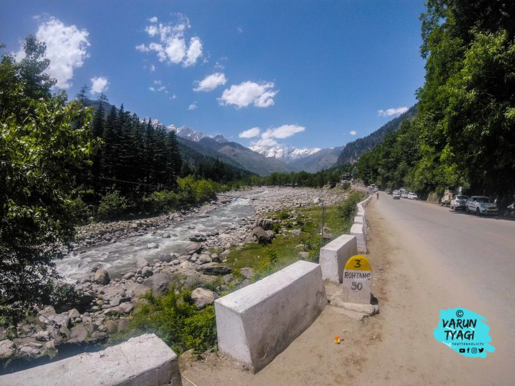 Take a left from the Manali Bridge towards Leh Highway.