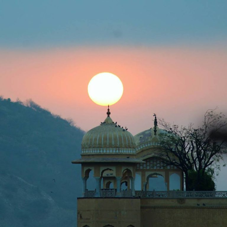 Morning at Jalmahal in Pink City Jaipur! Heading to Amer Fort!