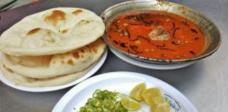 Mutton nihari and chicken dishes in Jaipur