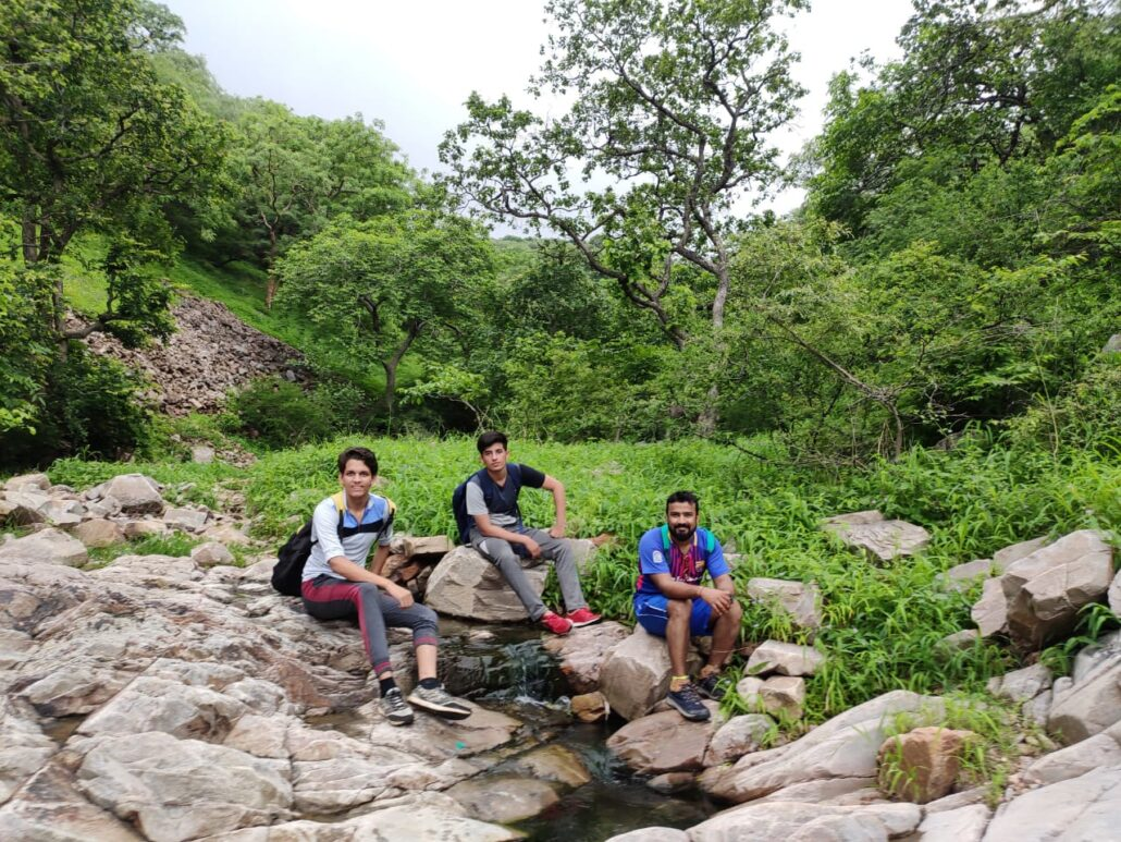 Kund behind Charan Mandir is filled with lot of hiking groups